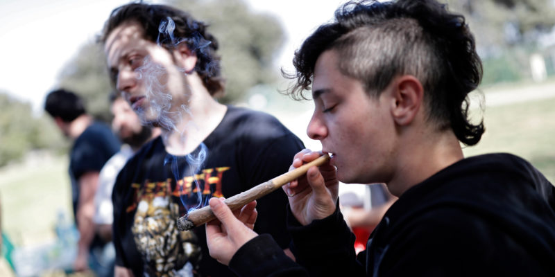 10 undeniable signs you were a stoner in a small town
