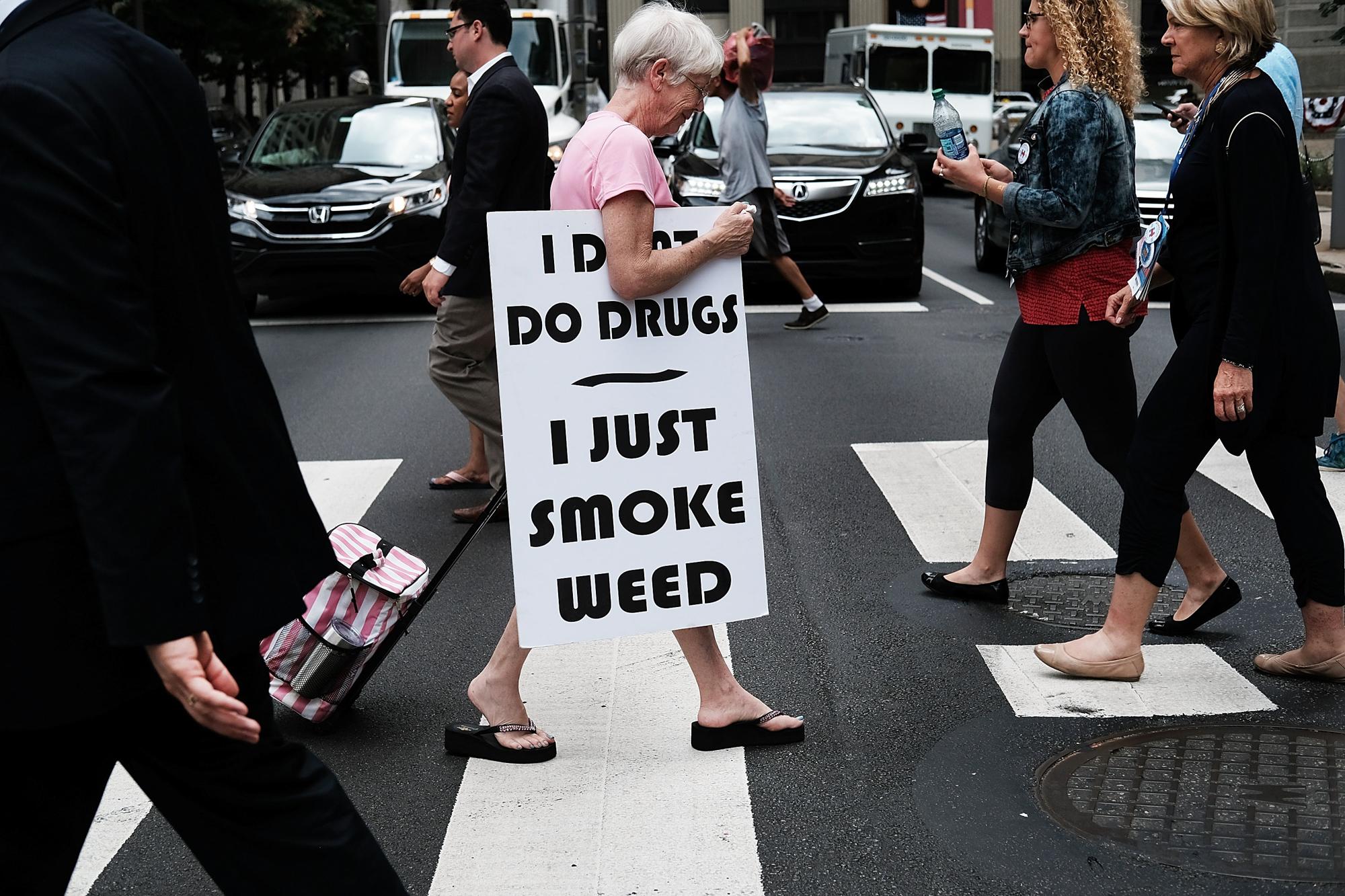 Do women smoke more weed than men 2 of 2 Women smoke more weed than men, report finds