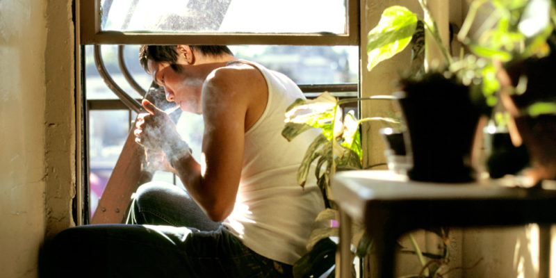 GettyImages 469312677 800x400 How to smoke weed inside without getting caught