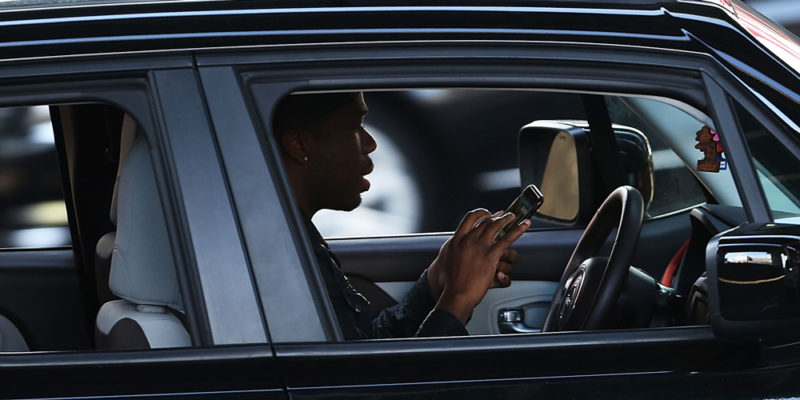 GettyImages 526624334 800x400 Majority of Americans think texting and driving is more dangerous than high driving